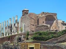 19 06 2017, Рим, Италия: Красивый вид руин известное римского Стоковая Фотография