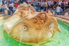 РИМ, ИТАЛИЯ - 10-ОЕ МАЯ 2017: Della Barkasca Фонтаны фонтана Стоковое Изображение RF