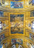 РИМ, ИТАЛИЯ - 12-ОЕ ОКТЯБРЯ 2017: Потолок в Gesu e Марии Chur стоковое фото