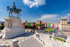 РИМ, ИТАЛИЯ - 13-ое сентября 2016: Взгляд на национальном монументе к Виктору Emmanuel II - первый король унифицированной Италии  Стоковые Изображения RF