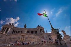 РИМ, ИТАЛИЯ - 13-ое сентября 2016: Взгляд на национальном монументе к Виктору Emmanuel II - первый король унифицированной Италии  Стоковое фото RF
