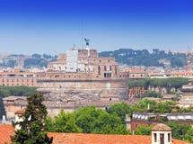 Рим. Италия. Взгляд сверху на Castel Sant Angelo.Cityscape в солнечном дне стоковые изображения rf