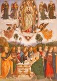 Рим - предположение девой марии хелпером Aiuto del Pinturicchio в часовне Rovere della Basso в церков стоковое фото rf