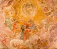 Рим - предположение фрески Vigin в куполке бортовой часовни Giovanni Lanfranco (1613) в Базилике di Sant Agostino (Augustine) стоковое фото rf