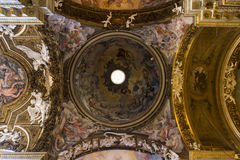 Рим - триумф потолочной фрески девственницы в della Santa Maria di Chiesa церков Стоковые Изображения