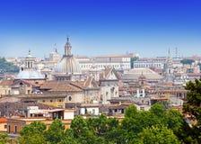 Рим. Italy.Cityscape в солнечном дне стоковые изображения