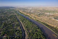 Рио Гранде в Альбукерке, Неш-Мексико Стоковые Изображения