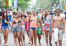РИО-ДЕ-ЖАНЕЙРО - 11-ОЕ ФЕВРАЛЯ: Молодые люди имея потеху на fre Стоковые Фото