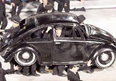 РИО-ДЕ-ЖАНЕЙРО - 11-ОЕ ФЕВРАЛЯ: Представление людей на масленице Стоковые Фото