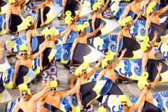 РИО-ДЕ-ЖАНЕЙРО - 11-ОЕ ФЕВРАЛЯ: Представление людей на масленице Стоковое Изображение