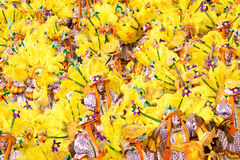 РИО-ДЕ-ЖАНЕЙРО - 11-ОЕ ФЕВРАЛЯ: Танцоры в костюме на масленице на Стоковое фото RF