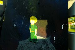 Рисовать от принца сказки маленького стоковое изображение