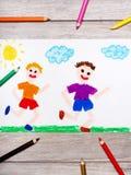 Рисовать: 2 усмехаясь идущих мальчика Стоковое Изображение