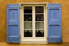 рисуночное окно Каркассон Франция стоковые изображения