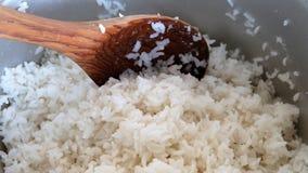 Рис и деревянный ковш Стоковое Изображение RF