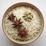 Рис сырой с специями Стоковые Фото