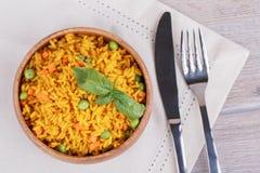 Рис с зелеными горохами Стоковое Изображение