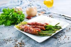 Рис с спаржей и мясом стоковые фотографии rf