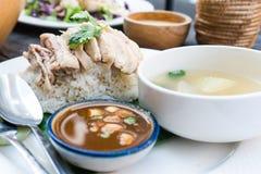 Рис, цыпленок, суп и соус стоковое изображение rf