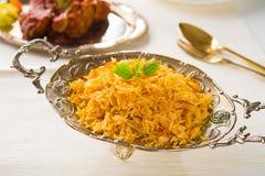 Рис Biryani цыпленка в серебряной плите Стоковые Изображения RF