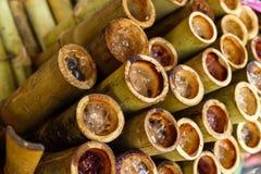 Рис Lutinous испеченный в бамбуковом цилиндре Стоковые Изображения RF