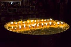 Ритуальная лампа масла в монастыре Samye - Тибете стоковые фото