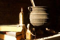 ритуал ведьмы и день умерших загоренных молнией стоковое фото rf