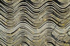 Рифлёный шифер лежит в куче, текстуре предпосылки взгляда со стороны шифера стоковое фото rf