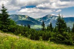 Ридж с ka ¾› Å SnÄ самой высокой вершины Стоковые Изображения RF