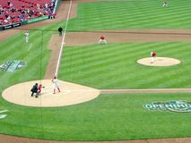 Роберт Stephenson делает его дебют высшей лиги бейсбола стоковые фото
