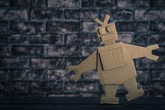 Робот сделанный из бумаги стоковое изображение