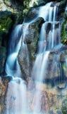Ровный водопад silkyl в парке Стоковое Изображение