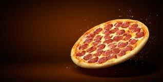 Рогулька и плакат концепции выдвиженческие для ресторанов или pizzerias, пиццы pepperoni вкуса шаблона очень вкусной, сыра моццар стоковые изображения rf