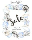 Рогулька вектора продажи лета Украшенный с seashells и каллиграфией литерности Искусство нарисованное рукой винтажное Стоковые Изображения RF