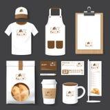 Рогулька кафа ресторана вектора установленная, меню, пакет, футболка, крышка, u бесплатная иллюстрация