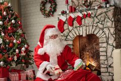 Рожденственская ночь Санта Клауса стоковое изображение