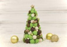 Рождественская елка, декоративная рождественская елка Новый Год украшений рождества Обои Нового Года и рождества Стоковое Фото