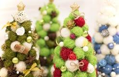 Рождественская елка, декоративная рождественская елка Новый Год украшений рождества Обои Нового Года и рождества Стоковые Изображения RF
