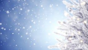 Рождественская елка и падая снежинки видеоматериал