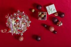 Рождественская елка провода на красной предпосылке Стоковые Изображения