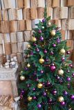 Рождественская елка с камином Записывает предпосылку Стоковая Фотография RF