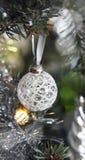 Рождественская елка с украшением, деталью стоковые фото