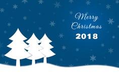 Рождественская открытка с спрусом бумаги и 2018 на голубой предпосылке Стоковые Изображения RF