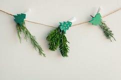 Рождественская открытка с handmade естественным оформлением стоковая фотография rf