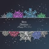 Рождественская открытка украшенная с сияющими снежинками Счастливая поздравительная открытка Нового Года, иллюстрация вектора иллюстрация вектора