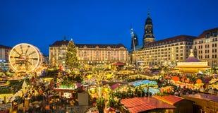 Рождественская ярмарка в Дрездене, Германии Стоковые Фотографии RF
