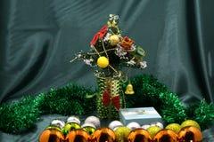 Рождественская ярмарка, Лондон, Великобритания - - много коробка музыки хрустального шара с подарком n рождества снежинки романти Стоковые Изображения RF