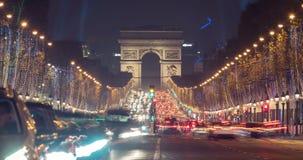 Рождество в timelapse Парижа с сигналит внутри акции видеоматериалы