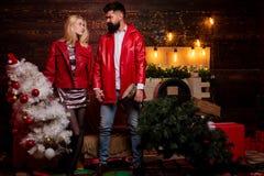 рождество моя версия вектора вала портфолио Интерьер рождества Портрет удивленных и смешных пар вал рождества домашний Активные п стоковая фотография