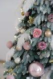 рождество моя версия вектора вала портфолио Рождественская елка с игрушками Нового Года Загоренный на рождественской елке стоковые фотографии rf